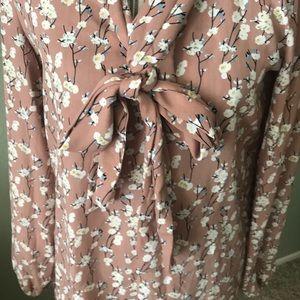 Max Studio Tops - Max Studio floral polyester top